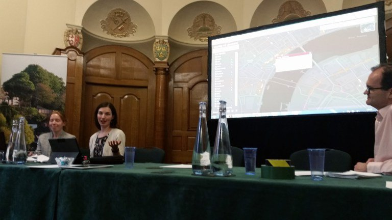 Katrina Ramsey and Anna Gibson from the GLA delivering their presentation about London's Street Tree map